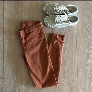 J Brand Jeans 811 Mid-Rise Skinny Jeans in Bourbon